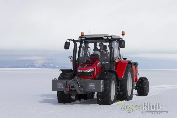 Massey Ferguson 5610 Antarctica 2