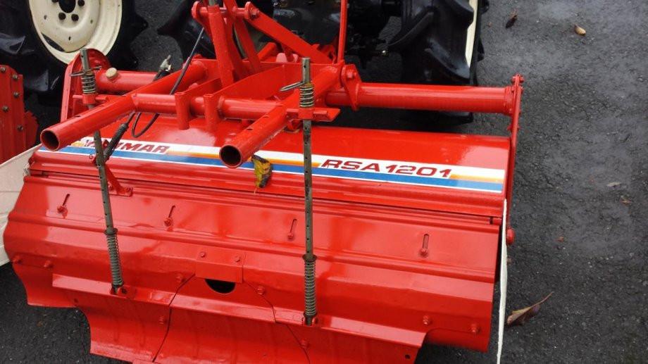 Traktor YANMAR F14D