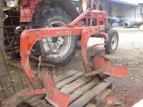 Sve vrste poljoprivrednih masina, traktora i beraca kupujem