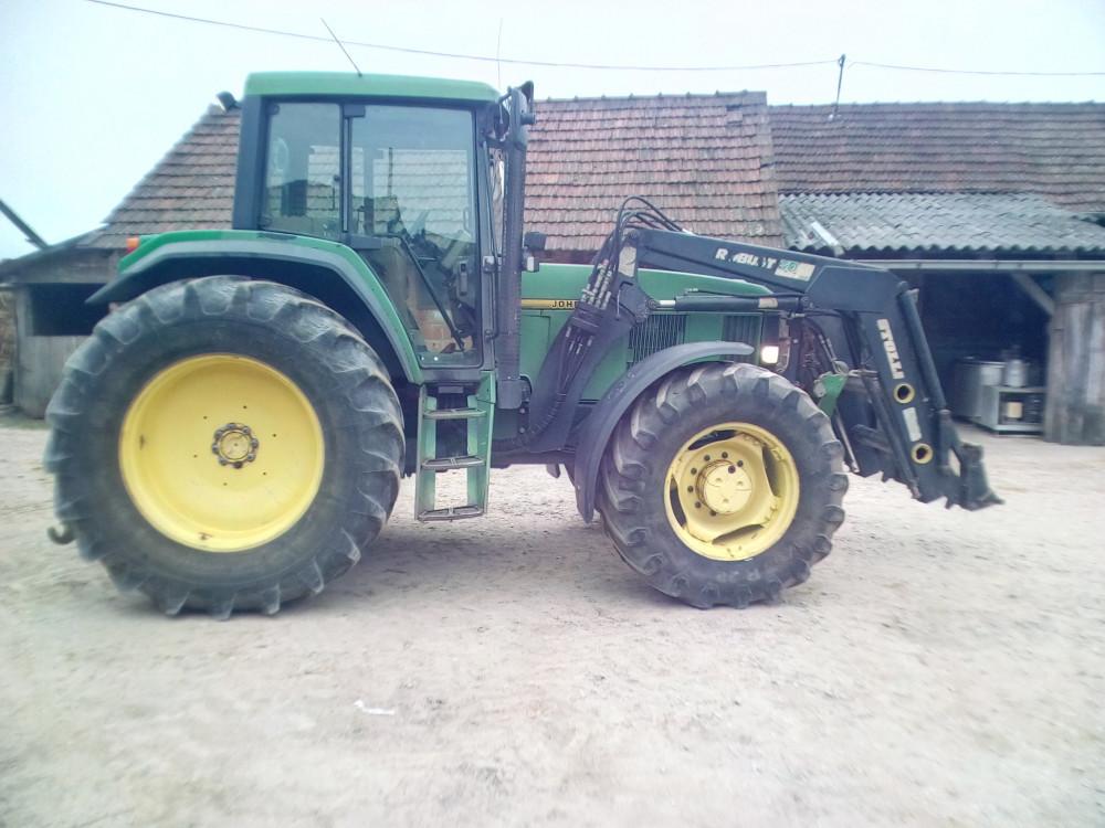 Traktor John Deere 6900