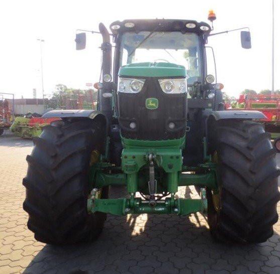 Traktor John Deere 6210 R