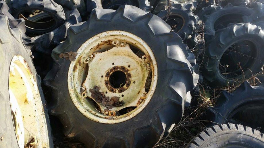 Traktorske gume Bridgestone 12.4-26