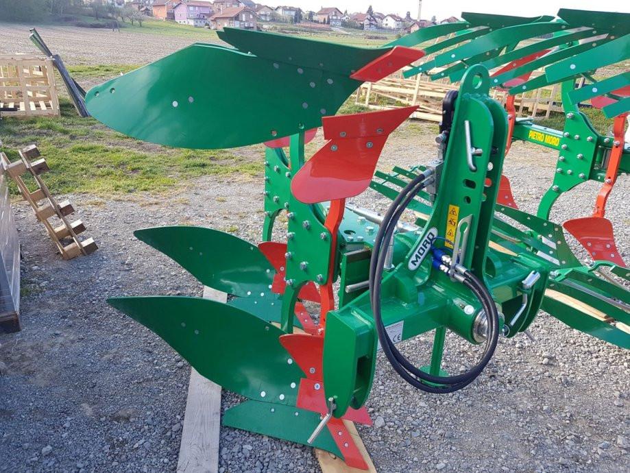 Plug PIETRO MORO model EVB12 LELIO