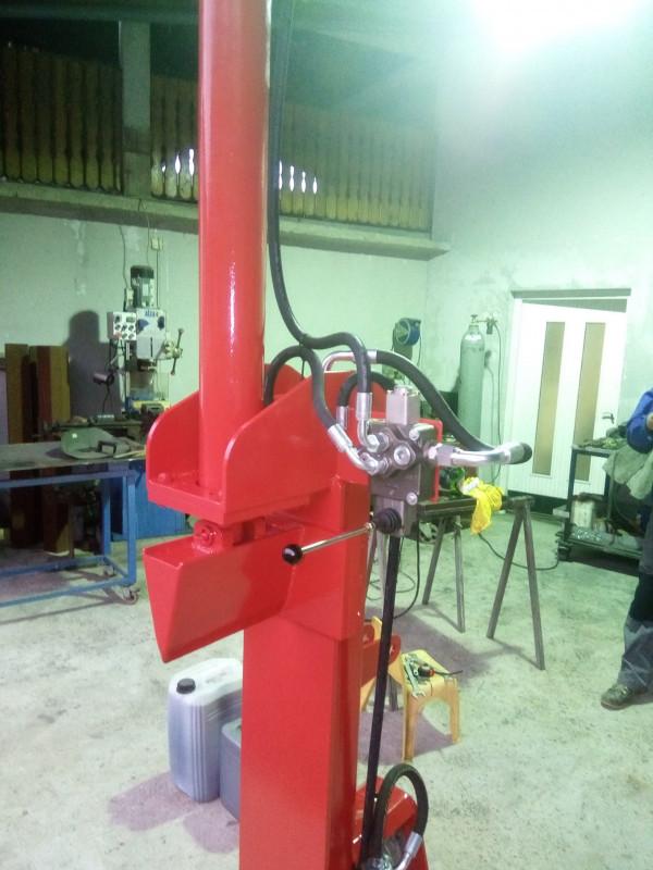 Hidraulični cjepač za drva