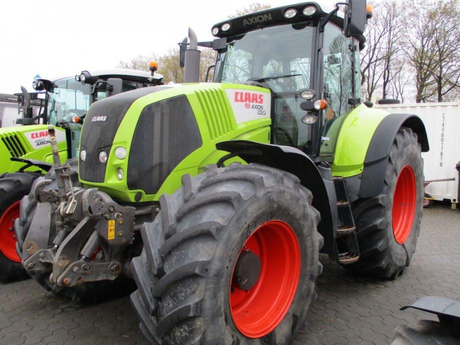 Traktor Claas Axion 820 C-Matic