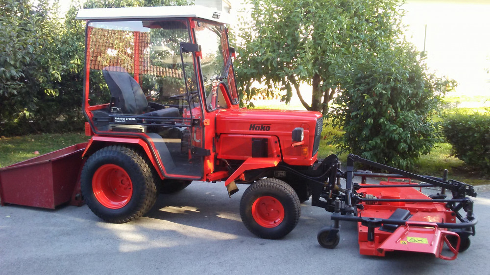 traktor hako hakotrac2700 da inverter 4x4+kosilnica+kibla
