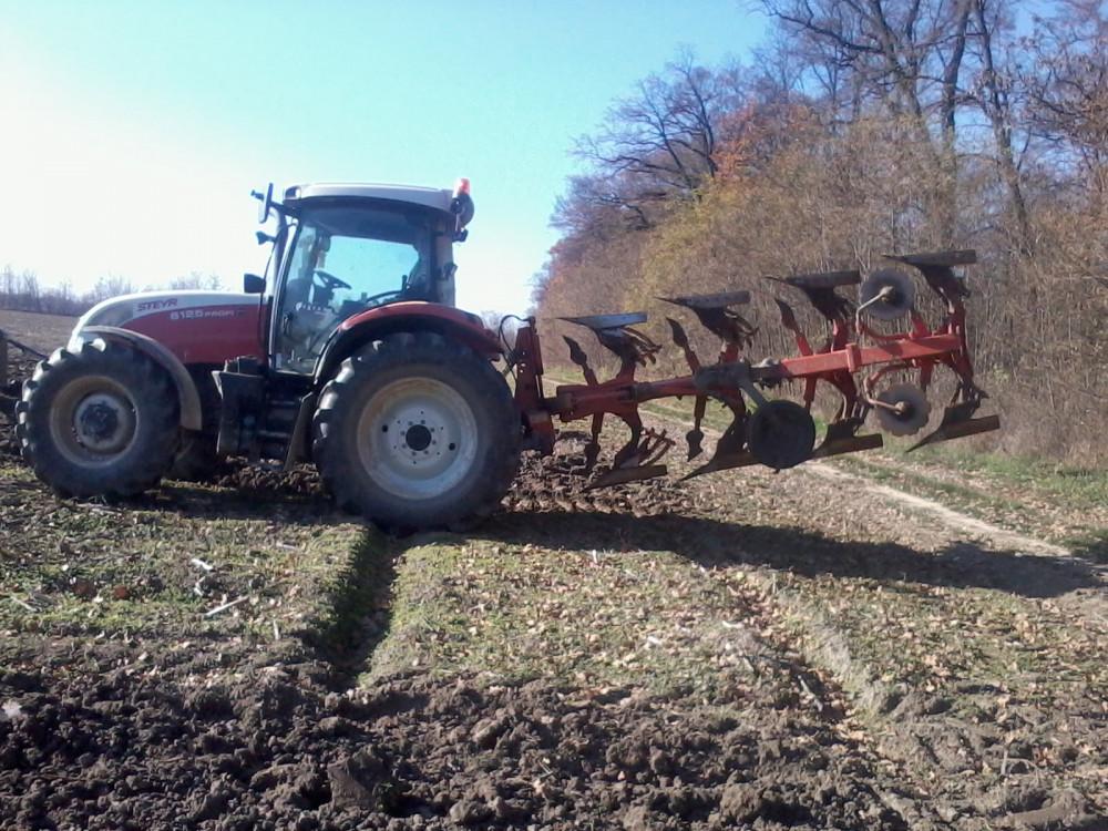 Traktor Steyr 6125 2013g