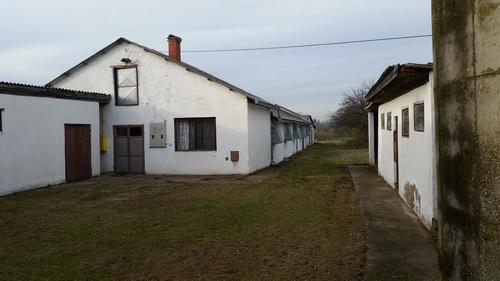 Poljoprivredno imanje Farma u Donjim Petrovcima