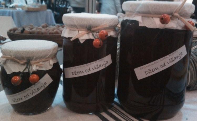 Domaći džem od višnje