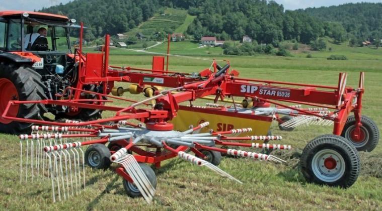 Vučeni rotacijski sakupljač STAR 850 PRO sa dva rotora