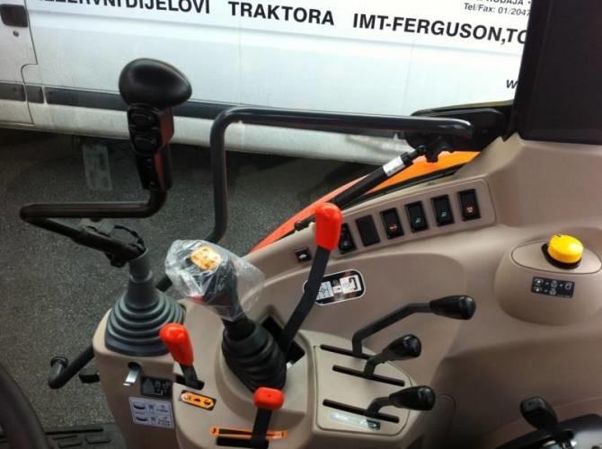 Kubota M8540 traktor