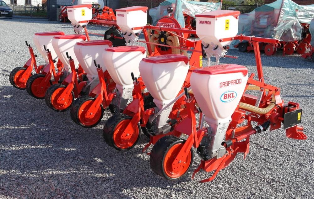 Gaspardo SP 6 sijačica za kukuruz, soju, repu