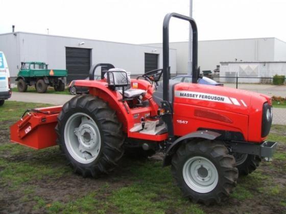 Traktor Massey Ferguson MF 1547
