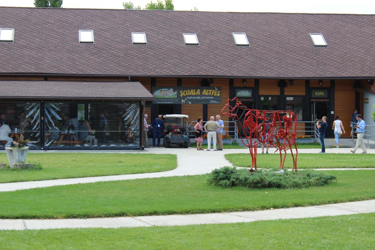 Restoran i suvenirnica za turiste (55837)