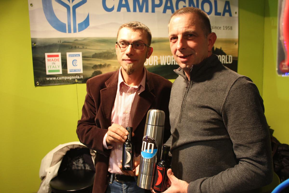 Na štandu tvrtke Entrada - dr.sc. Aljoša Vitasović i Marino Tumpić (63457)