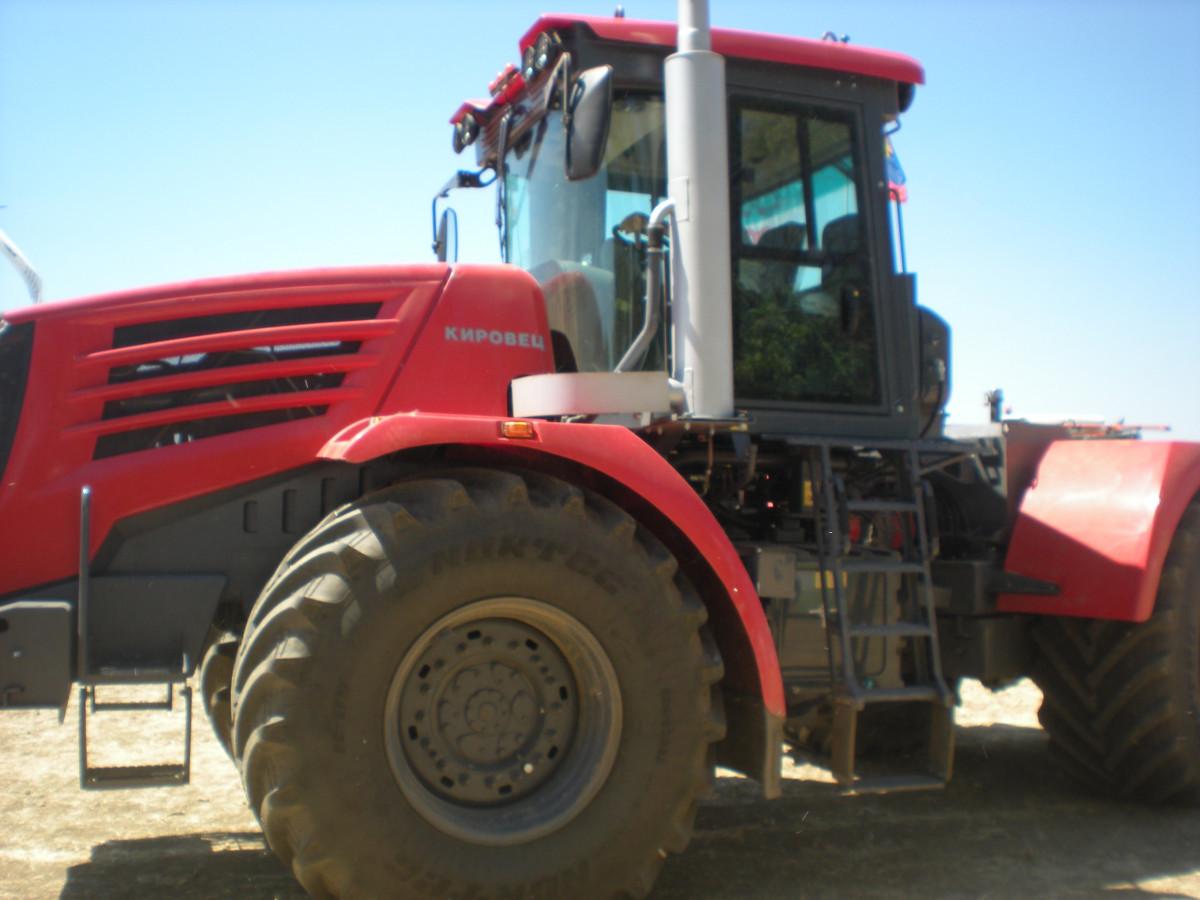 Senzacija SPIT-a traktor Kirovec (56868)