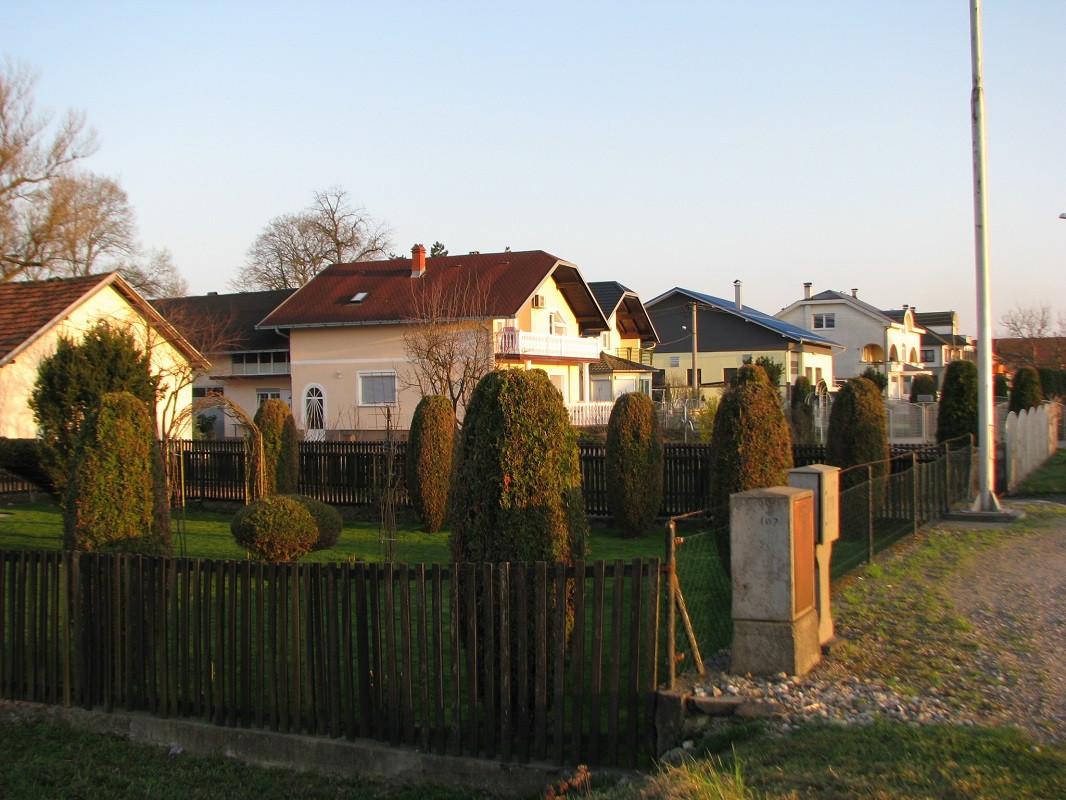 kuće (50073)