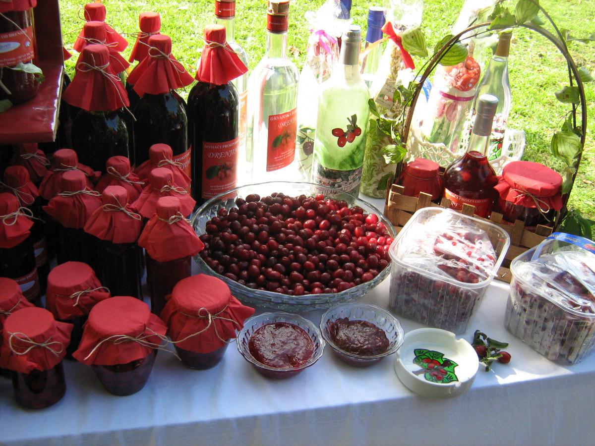 Mirjana Pećanac iz Drvara i njeni proizvodi (65276)