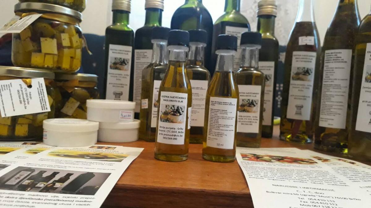 Maslinovo ulje 250 ml sa začinskim biljem (63932)