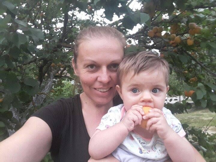 Sa osmomjesečnom kćerkom Brunom (56588)