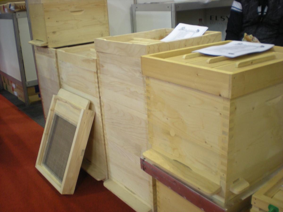 1. pčelarski sajam Dunavskog regiona - Novi Sad (63003)