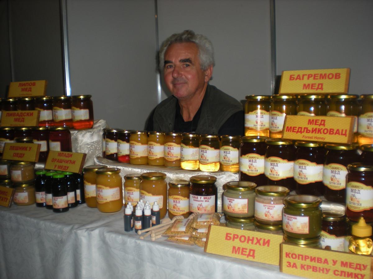 1. pčelarski sajam Dunavskog regiona - Novi Sad (63012)