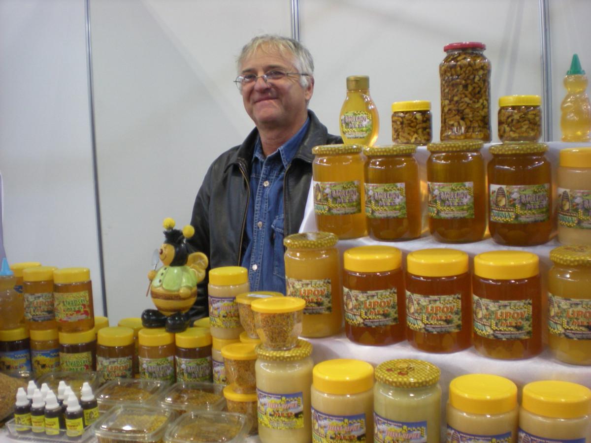 1. pčelarski sajam Dunavskog regiona - Novi Sad (62996)