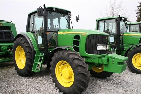 John Deere traktori (1181)