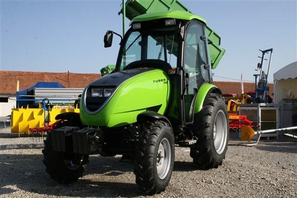 Tuber 40 - hrvatski traktor (1195)