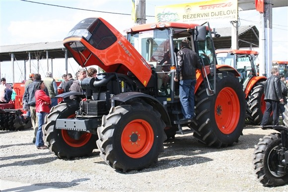 Kubota traktor (1193)