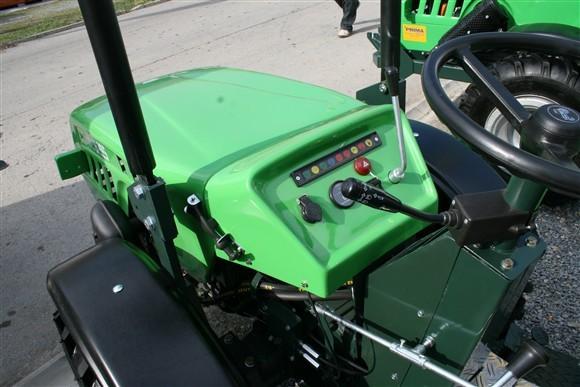 Prima TT 830/835/840 opća tema - Page 4 Traktori-bj-sajam-proljetni-img_0437-2012