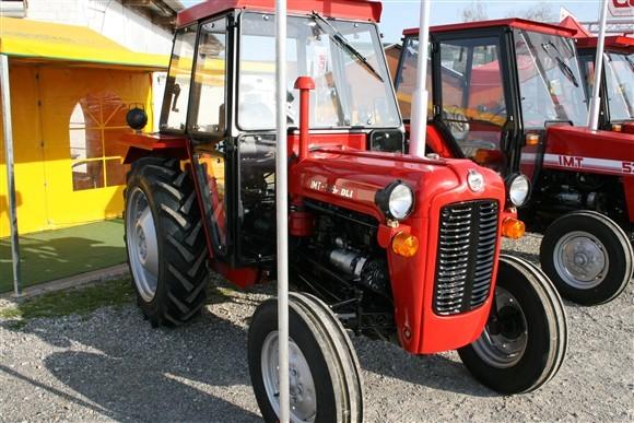 Traktori IMT 539   Download