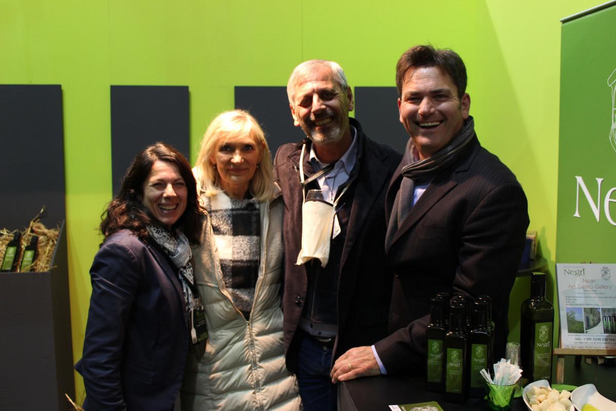 Obitelj Negri Anessa i William s gostima iz Italije (63545)