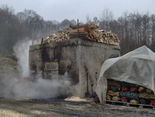 Proizvode drveni ugljen kao i prije 100 godina