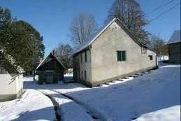 Stare kuće u Lici