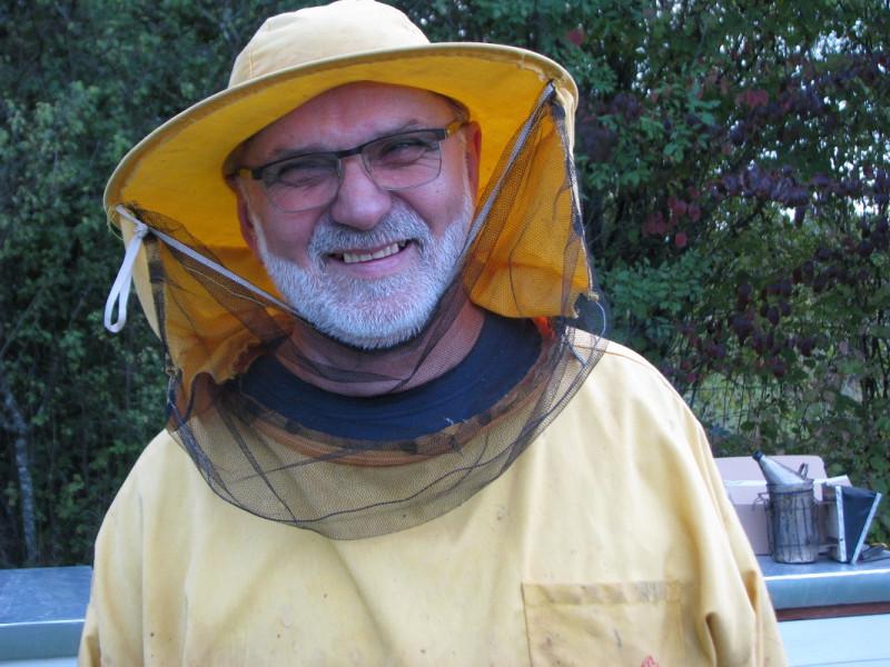Ministrove pčele sakupljaju mednu rosu pored Save