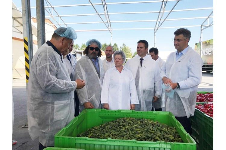 Plenković: treba otkupljivati više domaćeg povrća