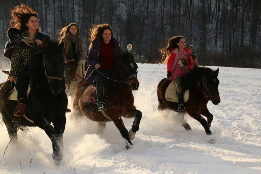 Konji i snijeg - sestre Bektić znaju kako uživati!