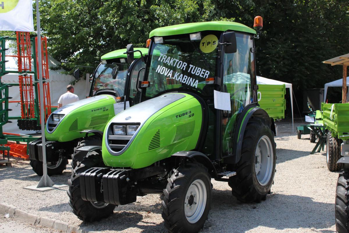 Tuber traktori sa novom kabinom (53739)