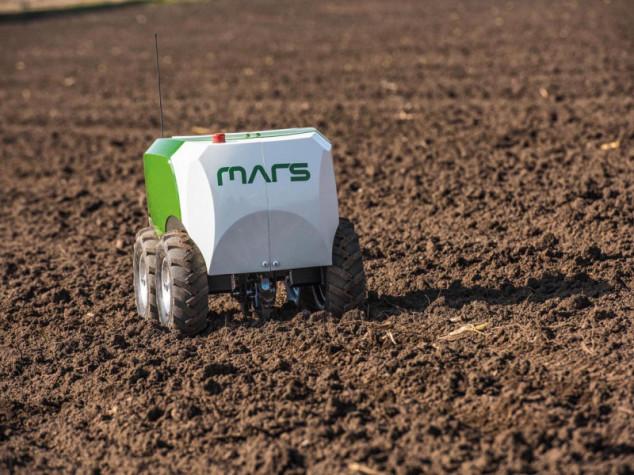 Fendt ima MARS robote koji precizno seju kukuruz