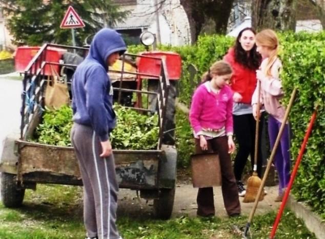 Čišćenjem mjesta obilježili dan šuma i voda