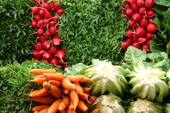 Zdrava domaća hrana na tržištu