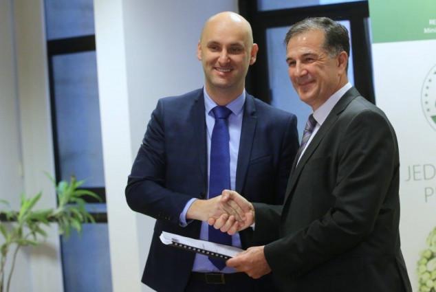 Romić na odlasku predao štafetu novom ministru!