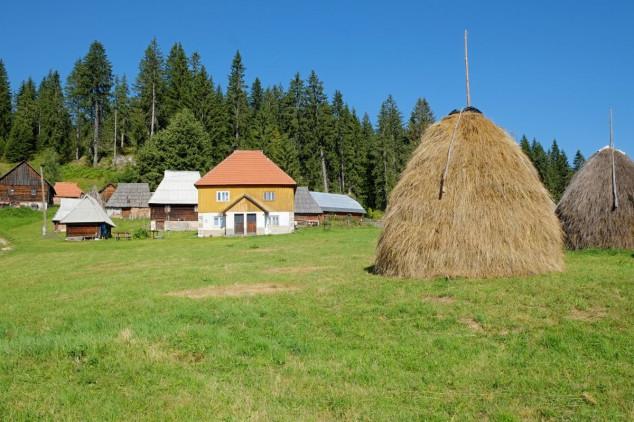 Bespovratna sredstva za kupovinu kuća na selu