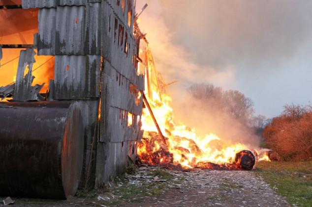 Susjedu zapalio 300 bala sijena!