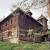 Etnolog Milan Drmić bavi se rijetkim zanatom - obnavlja i seli stare drvene kuće