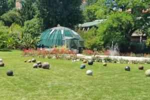 U zagrebačkom Botaničkom vrtu osvanule instalacije pod nazivom Granule