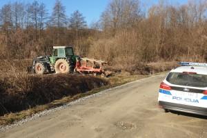 Poginuo pri padu s traktora