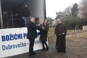 Dubrovačko-neretvanska županija donirala 9 tona mandarina Vukovarsko-srijemskoj, oni uzvratili s pet tona jabuka