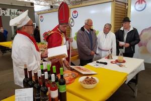 Prve trsove zasadili 1633. godine, obitelj Szabo i danas proizvodi vrhunska vina